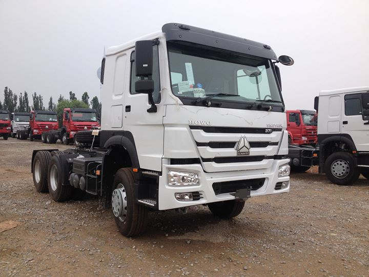 Stocked 6x4  HOWO tractor truck_03.jpg